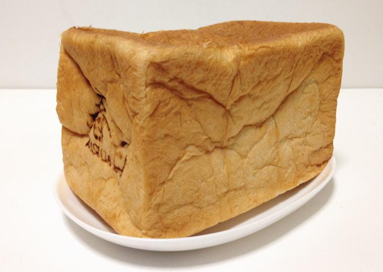「食パン工房 春日」の食パン